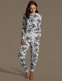 Women's pyjamas style to help you look sharp 028 fashion