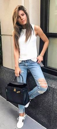 Women's white sneakers outfit 14