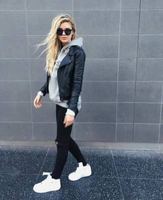 Women's white sneakers outfit 27