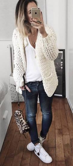 Women's white sneakers outfit 35