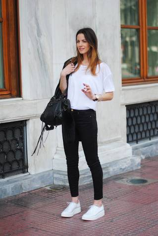 Women's white sneakers outfit 50