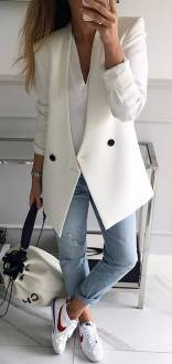 Women's white sneakers outfit 82