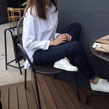 Women's white sneakers outfit 94