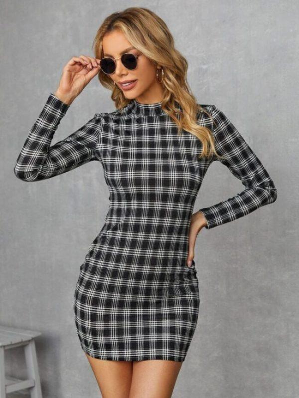 Карирана дамска рокля