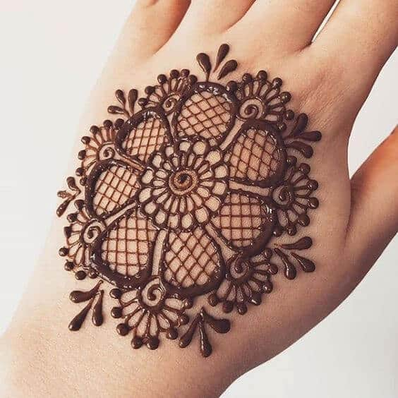 no fingers easy back hand mehndi designs 2021