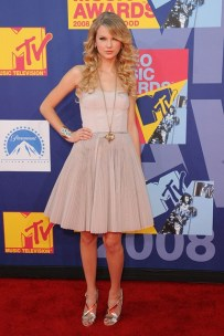 She wore a Kaufman Franco dress to attend the MTV Video Music Awards in Hollywood.