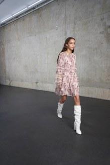 White-Bootsfall