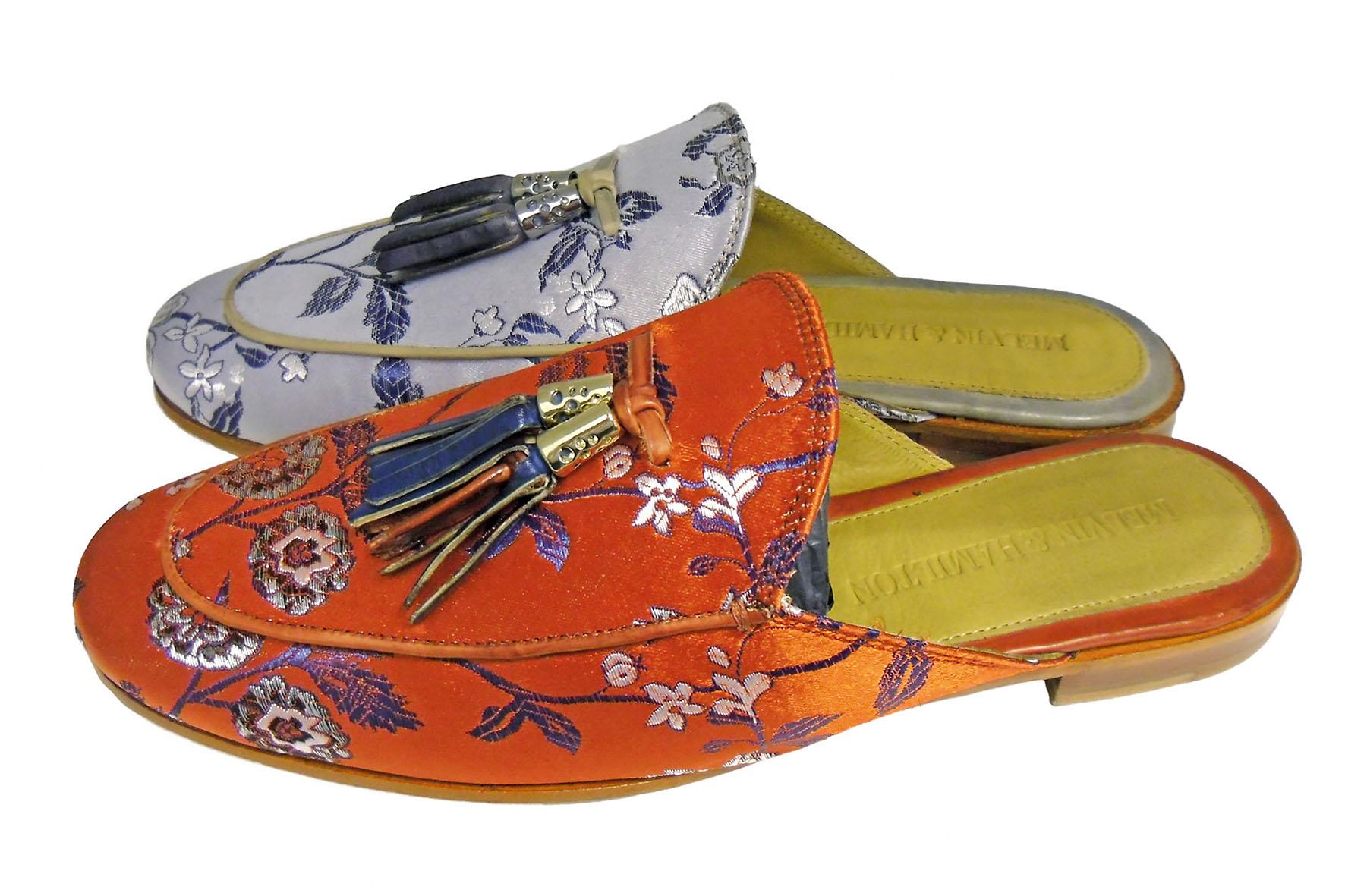 Die fersenoffenen, lässigen Schläppchen passen hervorragend zu Culottes und sommerlichen Plissee-Styles - Heiße Sommertreter für jeden Tag