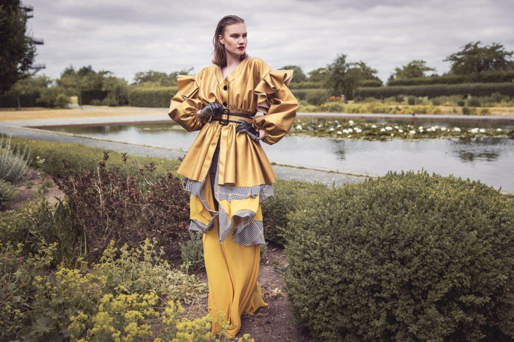 Die Kreativität frei entfalten. Der Entwurf der Absolventin Sara Jadaa zeigt, was die Modedesigner und Maßschneider in ihrer dreijährigen Ausbildung gelernt haben.