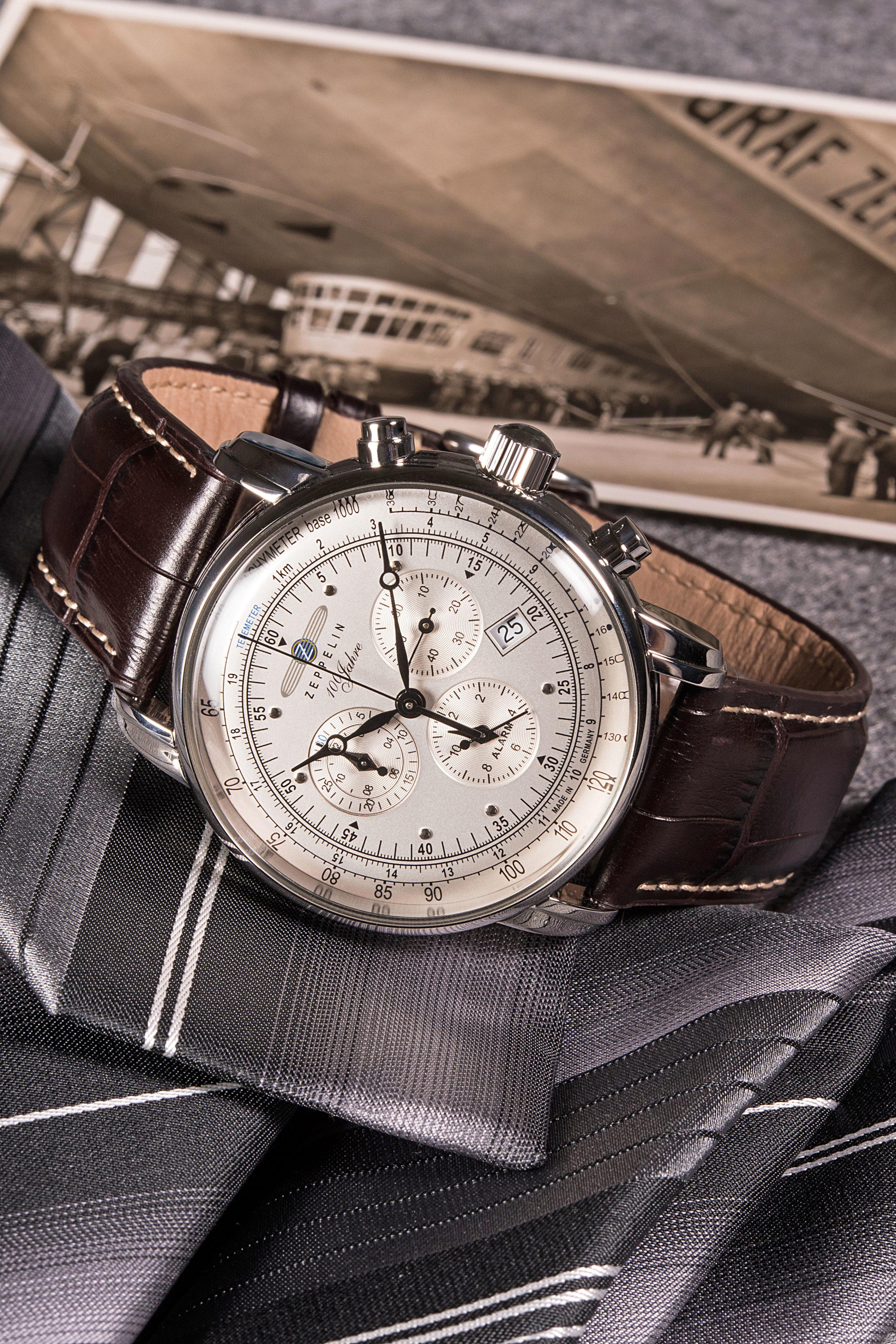 """Nostalgisches Design trifft Funktionalität von heute: der Chronograph """"100 Jahre Zeppelin""""."""