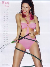 Kelly Brook Sexy Official 2013 Calendar [Photos] - 006