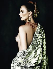 Kate Moss by Mario Testino for Vogue Spain [Photos] 006