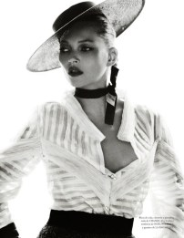 Kate Moss by Mario Testino for Vogue Spain [Photos] 015