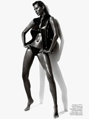 Gisele Bundchen by Mario Testino for Vogue Brasil June 2013 [Photos] 02