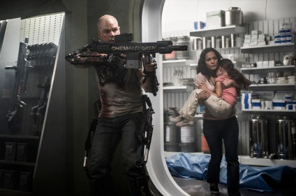 Elysium Extended Trailer [Movies] 05
