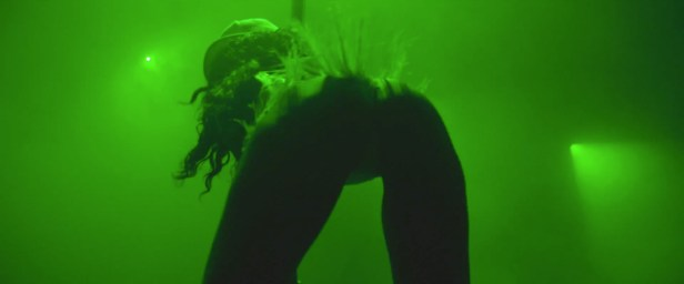 Rihanna - Pour It Up (Explicit) [Music Video] 03