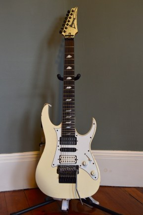 1991 Ibanez Universe PWH - front