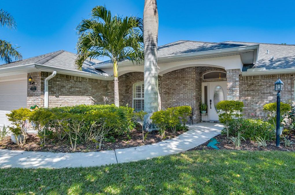 Fantastic Lakefront Home Located in Gated Community