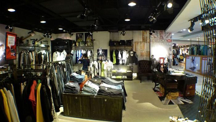 Lee Cooper Hangzhou Wulin Intime Store :: Inside