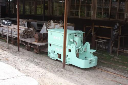 10号機。機関車だけはきれいに整備されている。