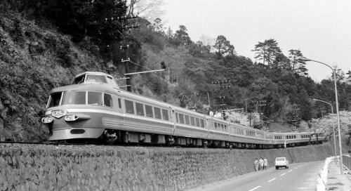 250-05.Odakyu-Romancecar.68.4.6Hakone-Yumoto