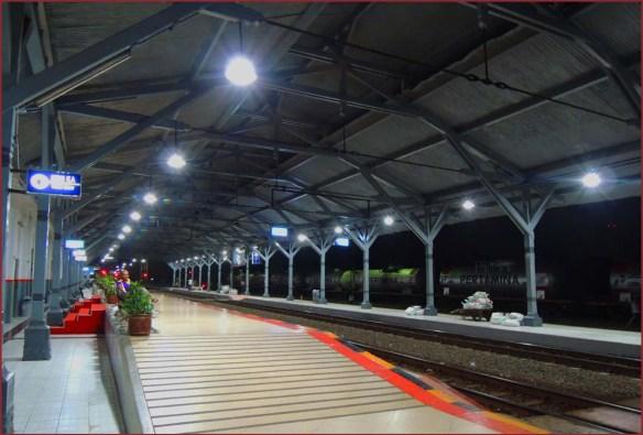 10_テガール駅2