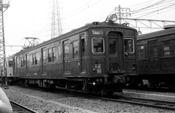JPG-高槻電車区クモハ32001