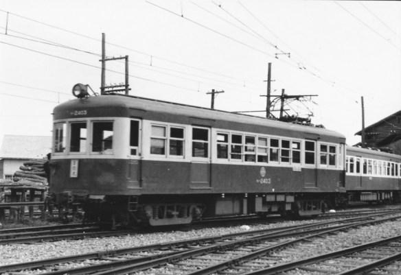 改軌、電化と共に投入された電動車モハ2400型