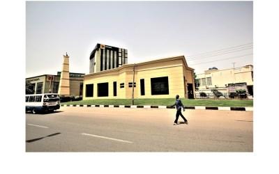 عمارة حي العمارات في الخرطوم: قصة مسجدين