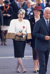 「上皇后 コスプレ」の画像検索結果