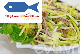 Green-mango-salad-with-sweet-and-sour-dried-anchovy