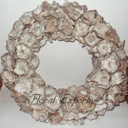 Palm Cap Wreath White Wash