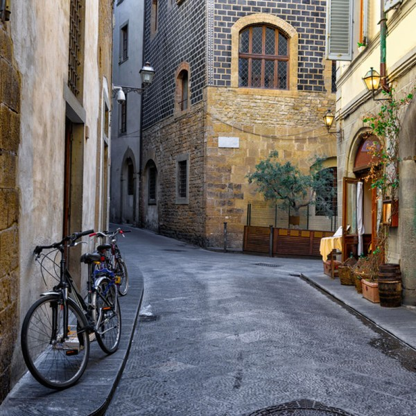 Eating Florence cobblestone streets drifters guide