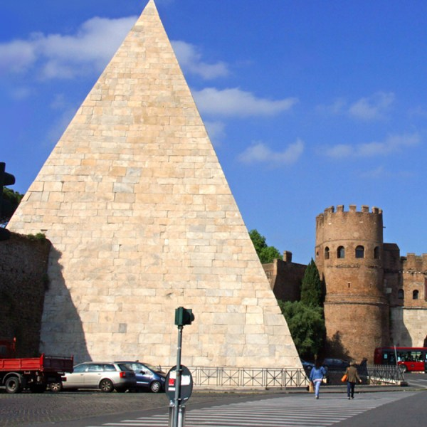 Pyramid Cestius Rome Drifters Guide
