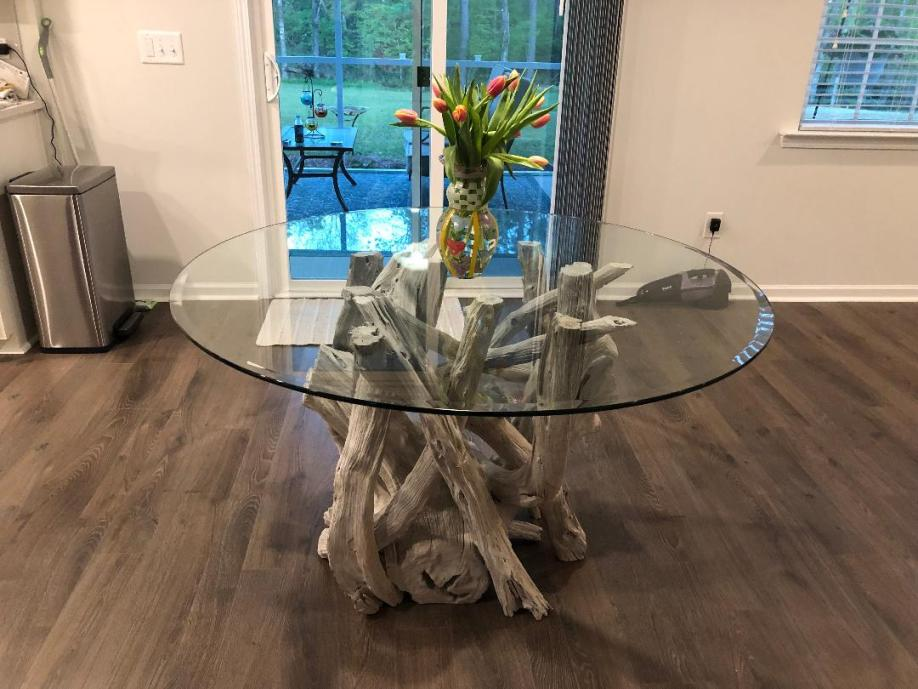 driftwood-round-glass-driftwood-dining-table