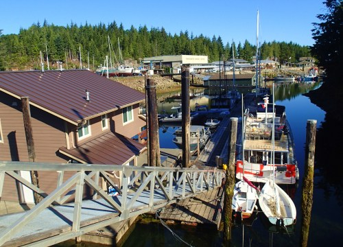 Low tide on the Hooterville dock. That's Seafire on the end, poised for flight.