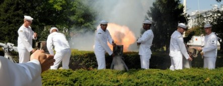 Members of the Navy Ceremonial Guard fire a 17-gun salute in honor of Vice Adm. Robin R. Braun during the Chief of Navy Reserve, Commander, Navy Reserve Force change of command at the Washington Navy Yard.