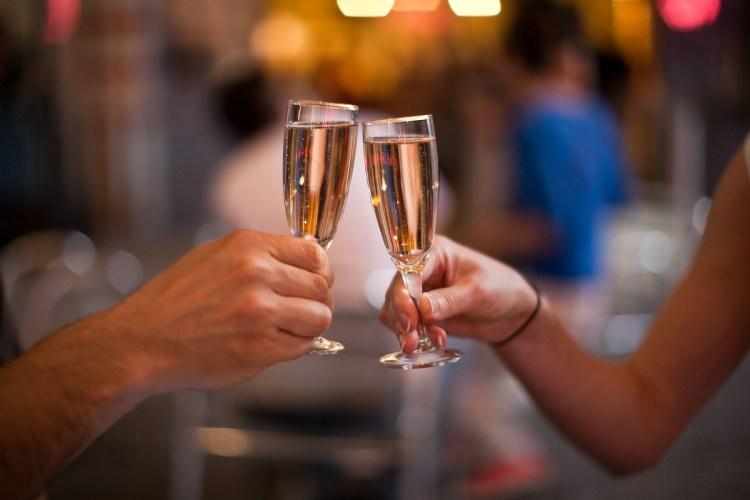 brindisi con champagne