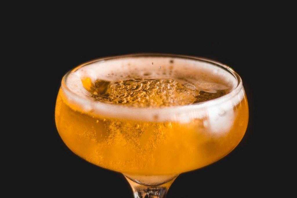 drink JOHN DILLINGER di Joe Marzovilla proprietario e bartender del ParlaPiano Buvette di Mola di Bari