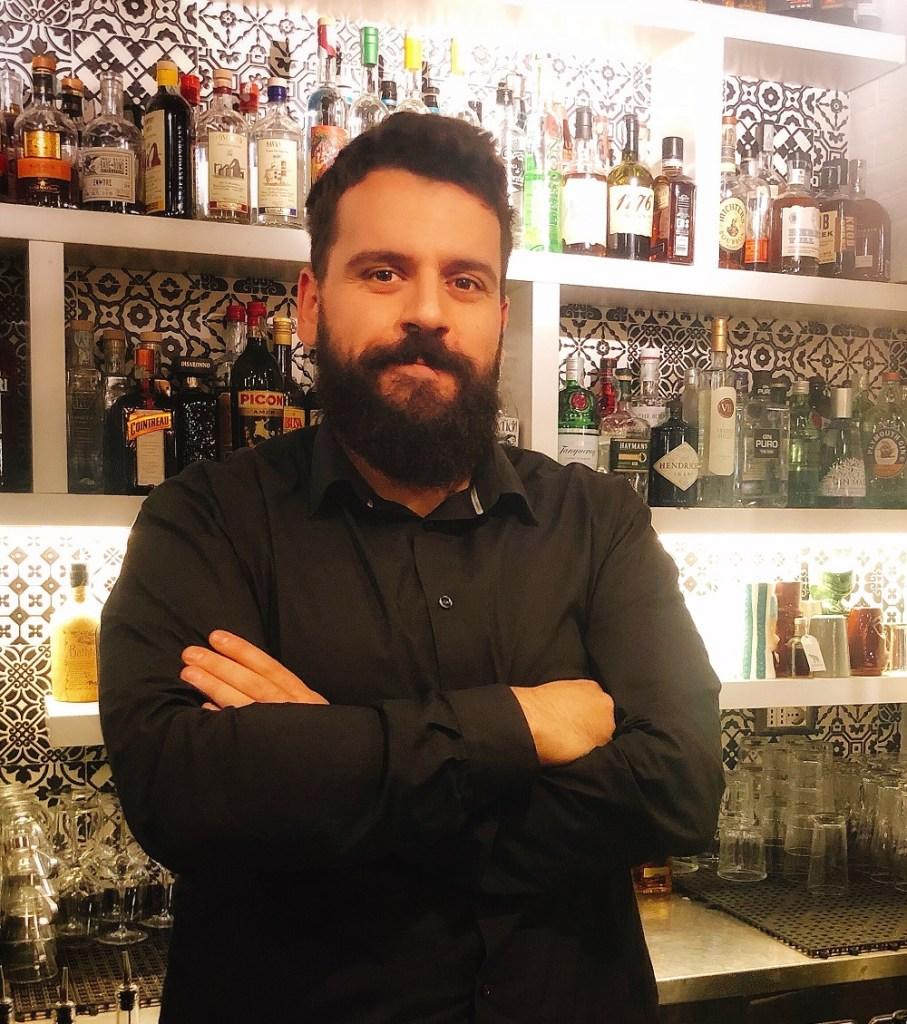 Giovanni Giuseppe Seddaiu barman di Rosso a Roma