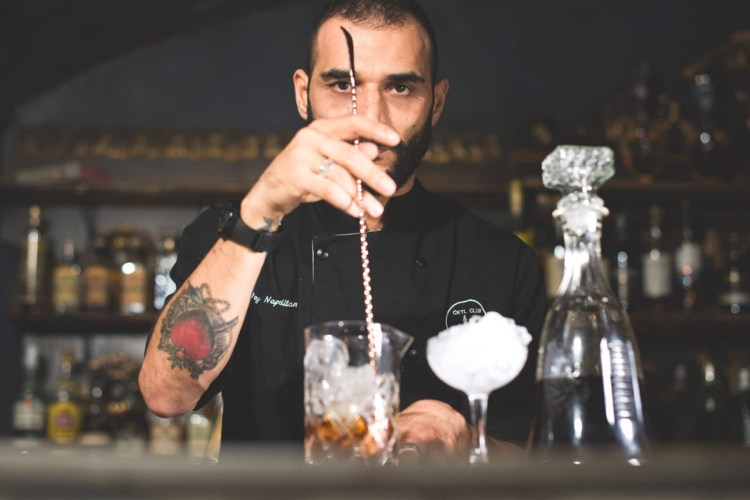 Joy-Napolitano-bar-manager-del-The-Barber-Shop-Speakeasy-di-Roma