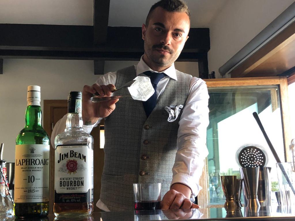 Christian Costantino Head Bartender del Marina Del Nettuno Lounge Bar di Messina 1