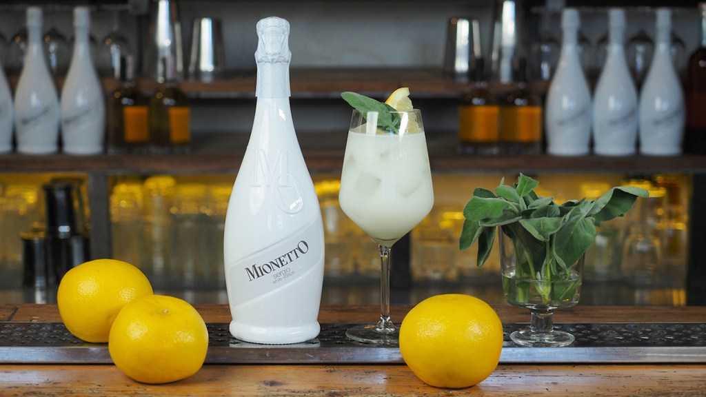 Cuban twist cocktail Mionetto