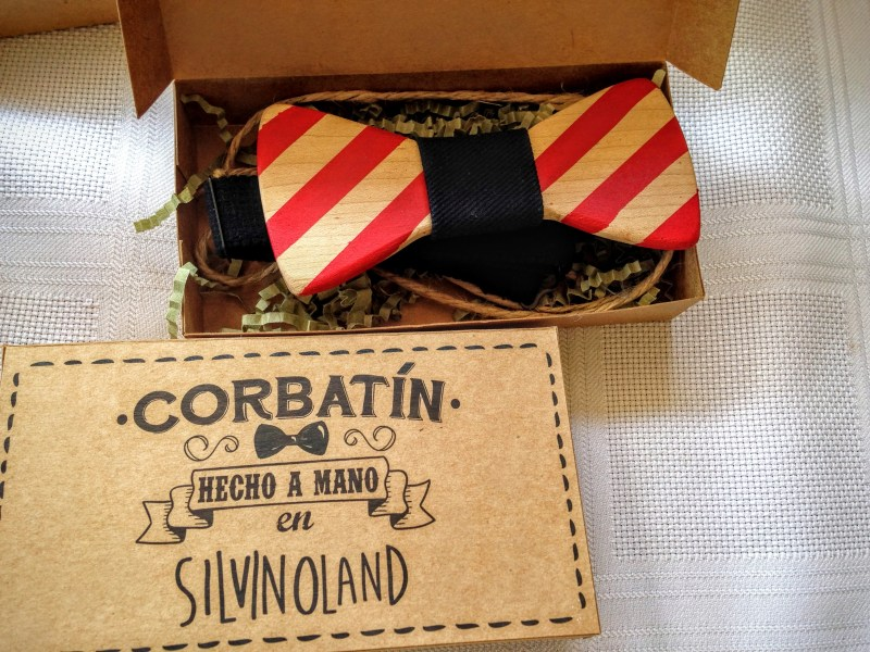 wooden fashion accessories - bow tie