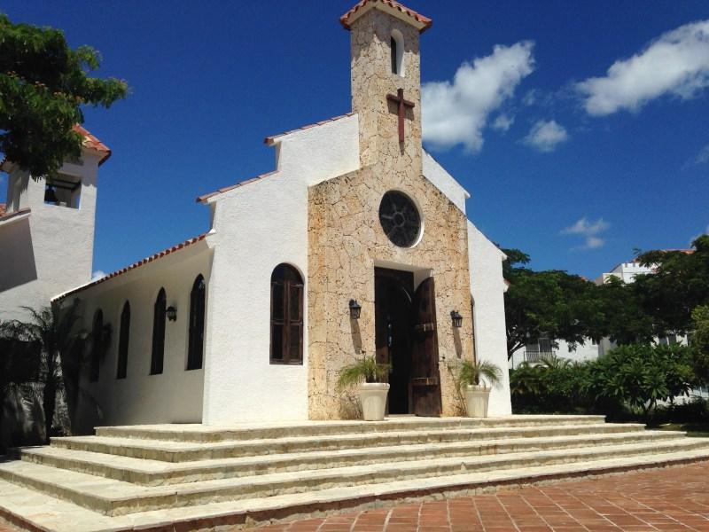 Chapel in Cadaques Caribe