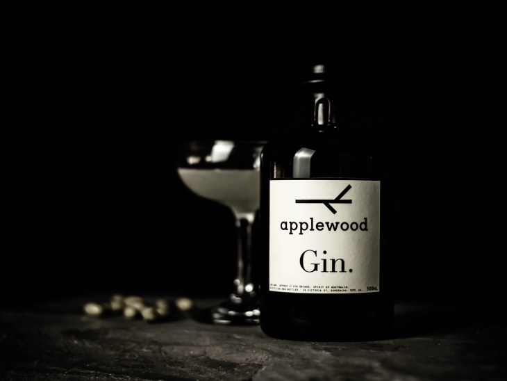 A gimlet made with Applewood Gin, sister company to Unico Zelo Wines