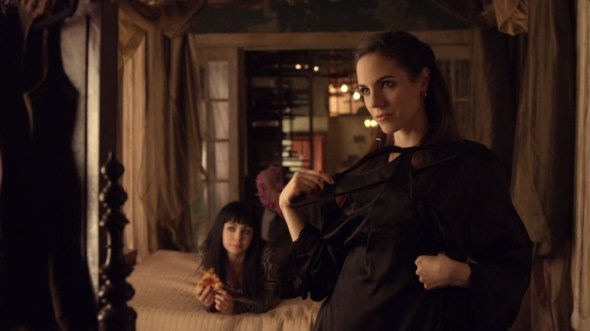 Bo and Kenzi in Food for Thought