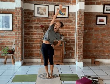 50min Core Yoga All Levels (bilingual / bilingüe)