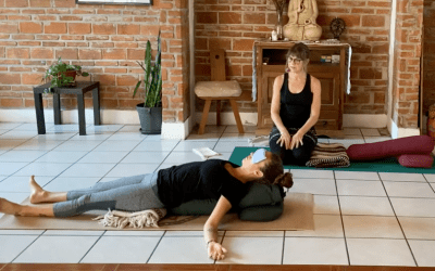 1hr Pure Restorative Yoga (English)
