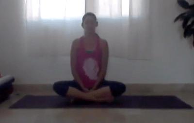 1hr Gentle Yoga for Lower Body (Bilingual)